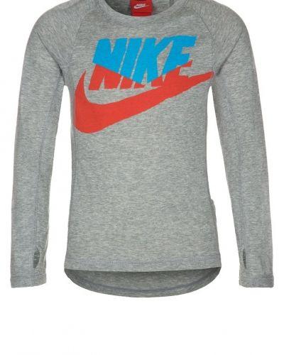 Nike Performance Run heritage tshirt långärmad. Traningstrojor håller hög kvalitet.
