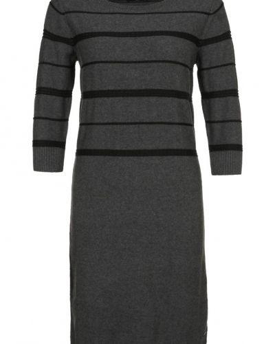 Grå stickade klänning från Henri Lloyd till dam. 6de2cd89018dc