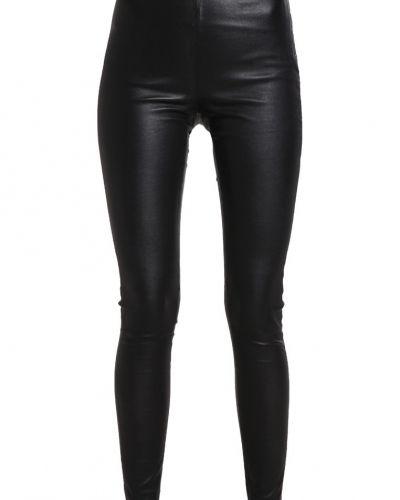 Läderbyxa Sfsylvia skinnbyxor black från Selected Femme