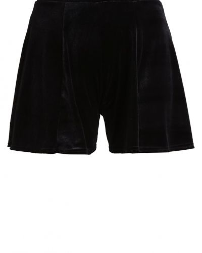 Miss Selfridge shorts till dam.
