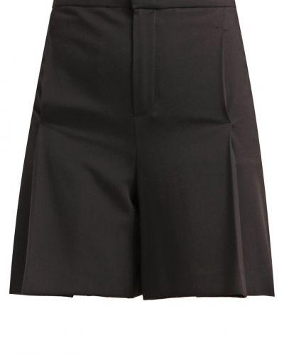Set shorts till dam.