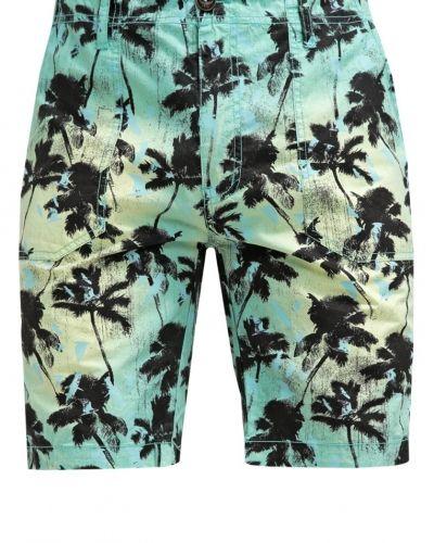 Till dam från Petrol Industries, en shorts.