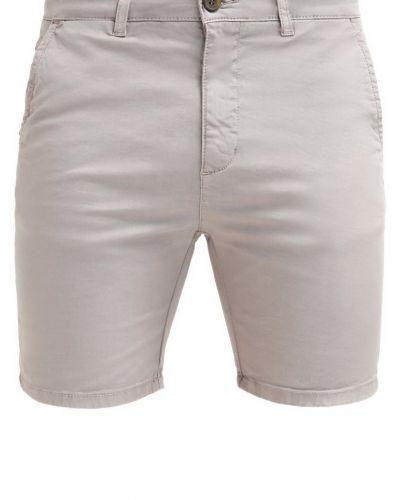 Shorts från Pier One till dam.