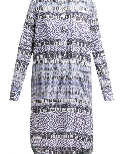 Sibylla skjortklänning blue denim K.O.I KINGS OF INDIGO jeansklänning till tjejer.