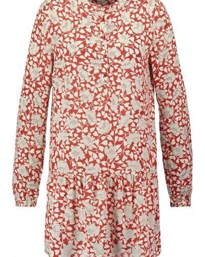 Till mamma från First And I, en skjortklänning.