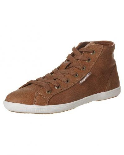 Till dam från KangaROOS, en brun höga sneakers.