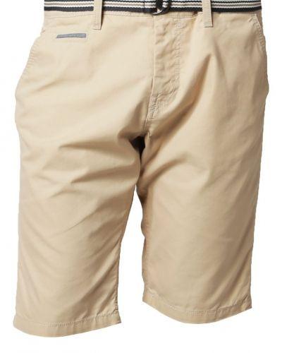 beige shorts dam