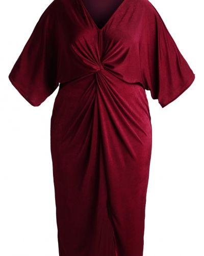 Jerseyklänning från Missguided Plus till mamma.