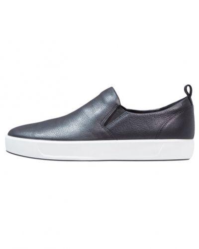Soft 7 slipins black ECCO sneakers till dam.
