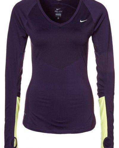 Nike Performance SPEED Tshirt långärmad Lila från Nike Performance, Långärmade Träningströjor