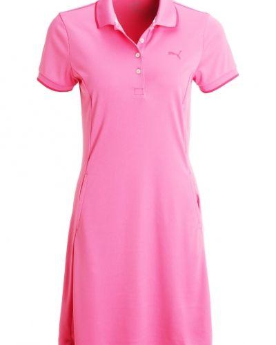 Sportklänning shocking pink Puma Golf sportklänning till mamma.