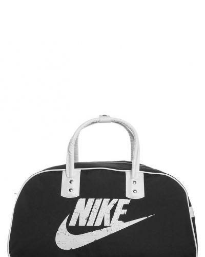 Nike Sportswear Nike Sportswear Sportväska Svart. Sportvaskor håller hög kvalitet.