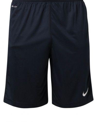 Nike Performance Squad shorts. Traningsbyxor håller hög kvalitet.