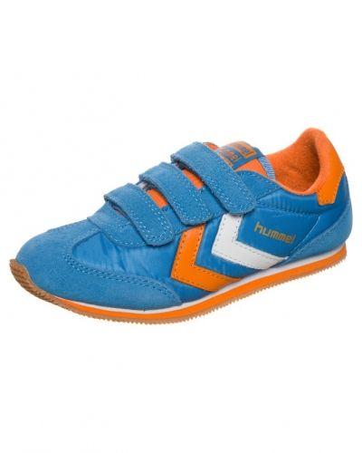 Blå sneakers från Hummel till barn.