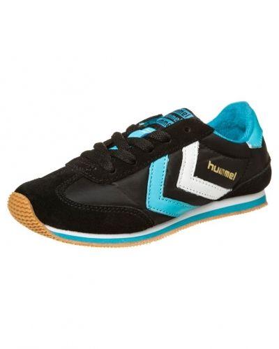 Svart sneakers från Hummel till barn.