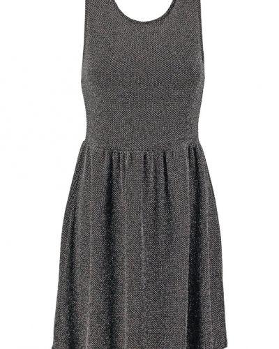 Till mamma från Even&Odd, en stickade klänning.