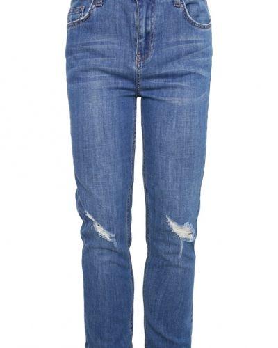Till dam från New Look Petite, en relaxed fit jeans.
