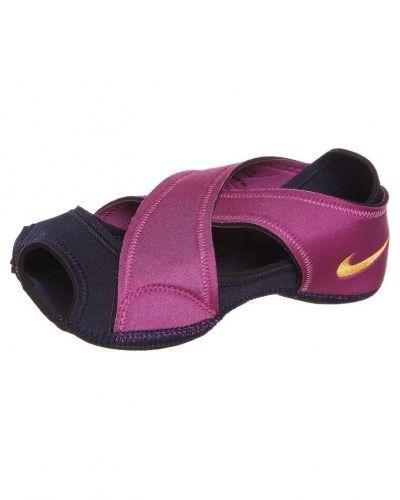 Nike Performance Nike Performance STUDIO WRAP Balettskor Ljusrosa. Traningsskor håller hög kvalitet.
