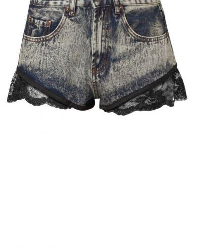 Shorts till Dam