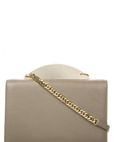 Sara battaglia Sylvia handväska brunt. Väskorna håller hög kvalitet.