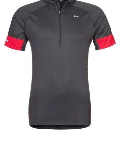 Nike Performance TECHNICAL Funktionströja Grått från Nike Performance, Kortärmade träningströjor