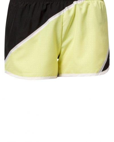 Nike Performance TEMPO Shorts Gult från Nike Performance, Träningsshorts