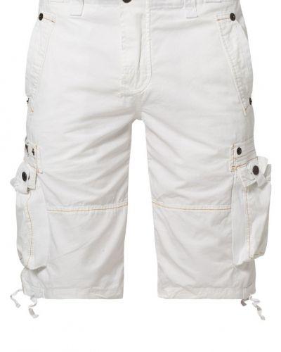 Till dam från Alpha Industries, en shorts.