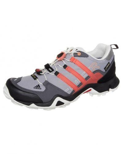 adidas Performance Terrex swift r gtx. Traningsskor håller hög kvalitet.