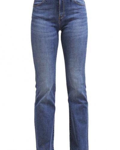 Till tjejer från Wrangler, en bootcut jeans.