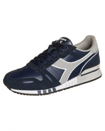 Diadora sneakers till herr.