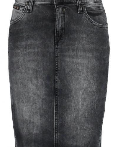 Till tjejer från Herrlicher, en jeanskjol.