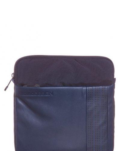 Tramp body bag arrontondata axelremsväska - Momo Design - Axelremsväskor