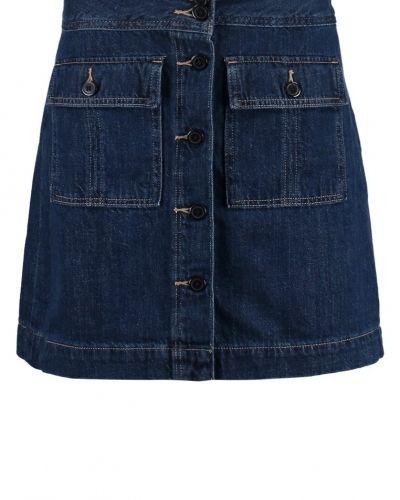 Till tjejer från GAP, en jeanskjol.