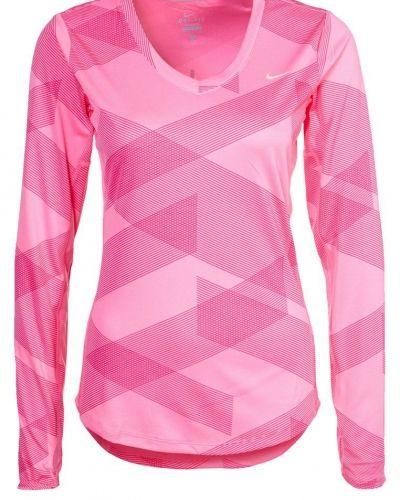 Nike Performance Tshirt. Traningstrojor håller hög kvalitet.
