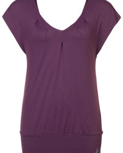 T-shirts från Curare Yogawear till dam.