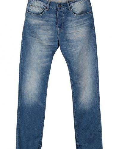 Till herr från Petrol Industries, en blå slim fit jeans.