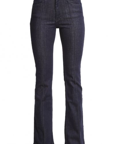 Bootcut jeans från Minimum till tjejer.