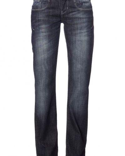 Till tjejer från LTB, en blå bootcut jeans.