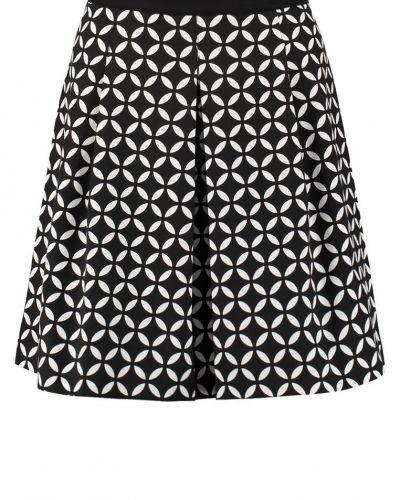 Till mamma från Anna Field, en veckade kjol.