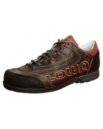 Lowa sneakers till dam.