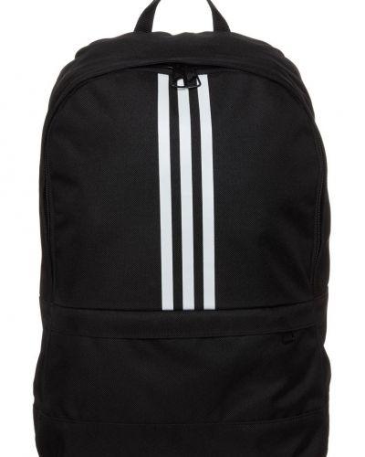 adidas Performance Versatile ryggsäck. Väskorna håller hög kvalitet.