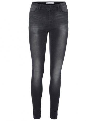 Slim fit jeans Vero Moda VESEVEN Jeans slim fit dark grey denim från Vero Moda