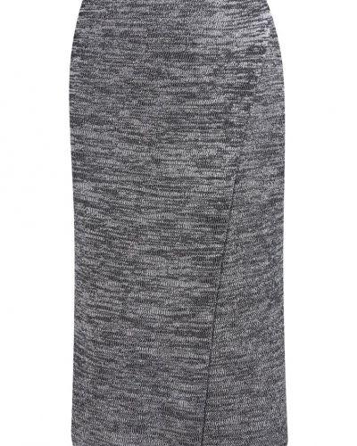 A-linje kjol från VILA till mamma.