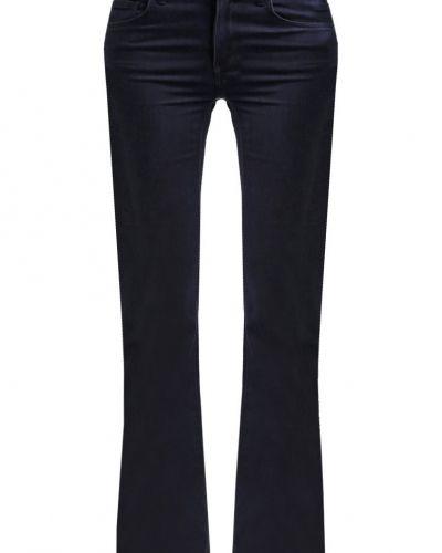 Till tjejer från VILA, en bootcut jeans.