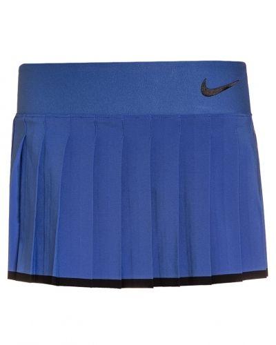 Nike Performance sportkjol till mamma.