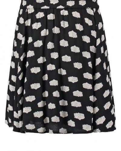 Till mamma från VILA, en a-linje kjol.