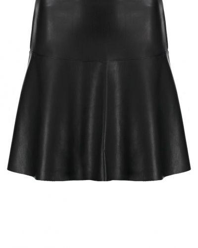 Till mamma från Vero Moda Petite, en a-linje kjol.