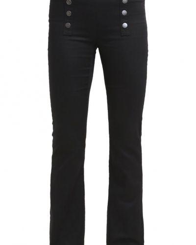 Vmcharlie jeans bootcut black Vero Moda bootcut jeans till dam.