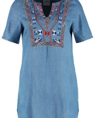 Vmnew jeansklänning light blue denim Vero Moda jeansklänning till tjejer.