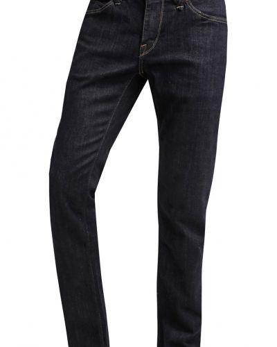 Till dam från Volcom, en slim fit jeans.